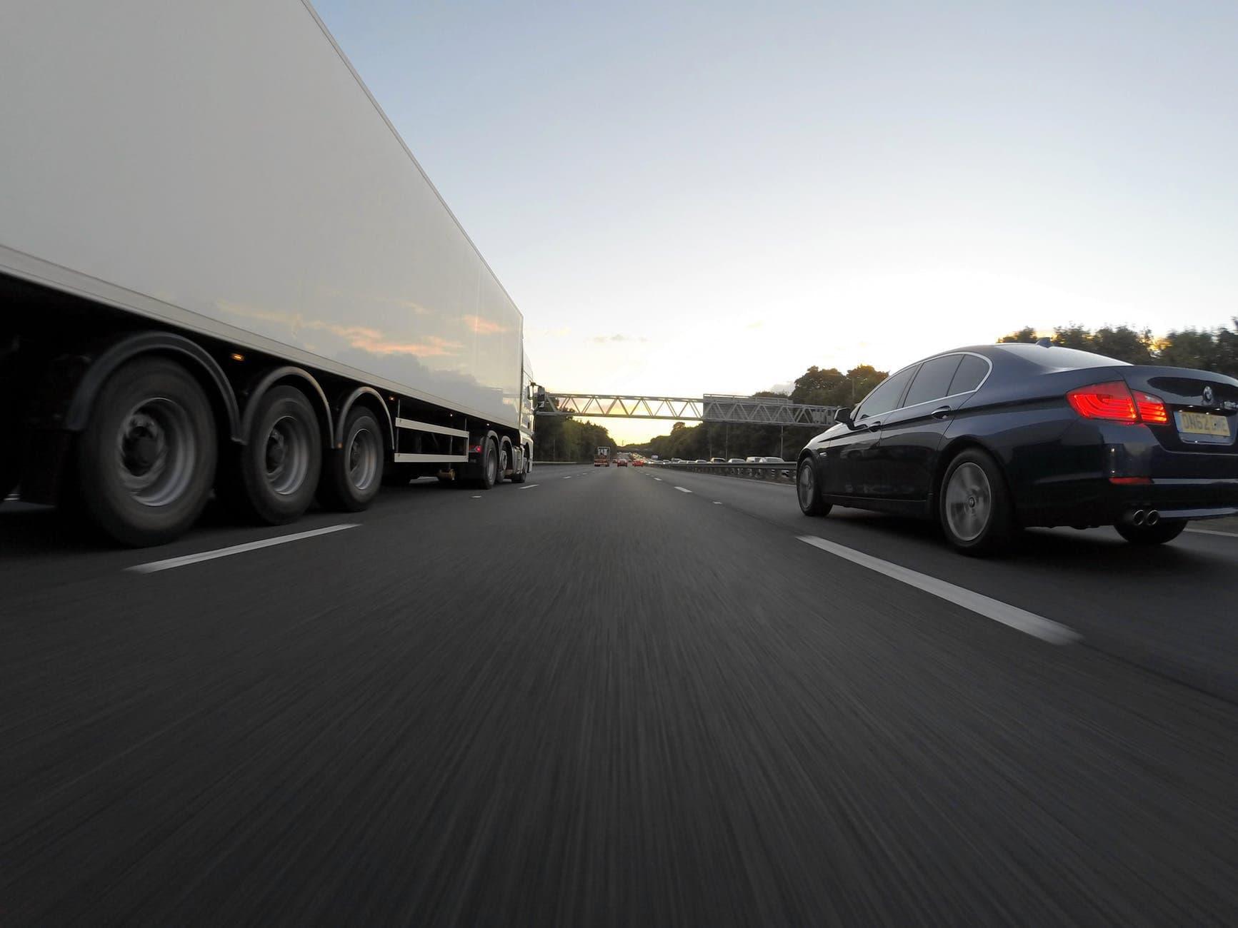 Verkehrsrechtsschutz für Selbstständige und Firmen