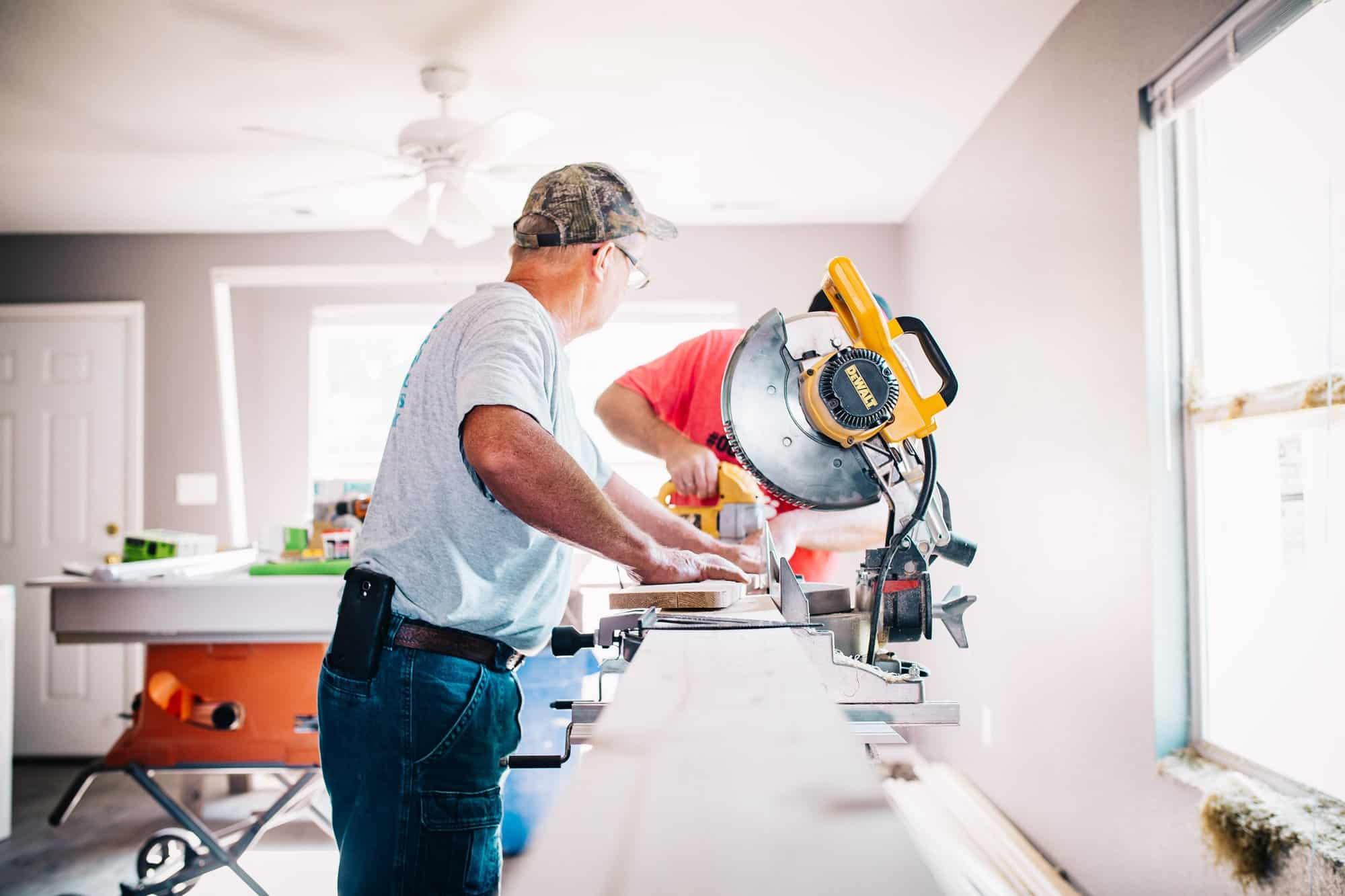Absicherung für Handwerker: Existenzielle Risiken